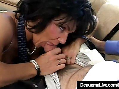 Texas Cougar Deauxma Is Anal Plumbed By A Fan!