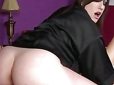Goth masseuse gets pussy licked at the end of one's tether client